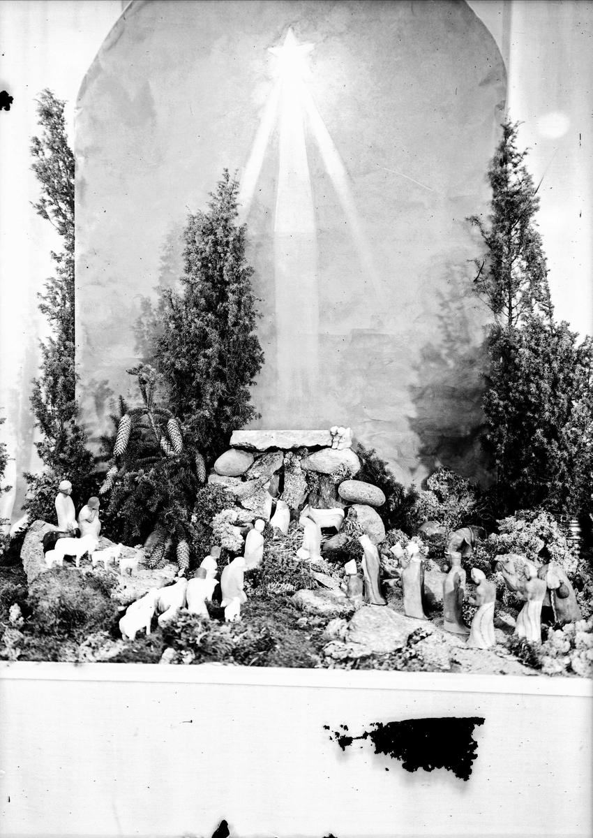 Julkrubba tillhörande Hemslöjdsföreningen i Uppsala län, Uppsala 1941
