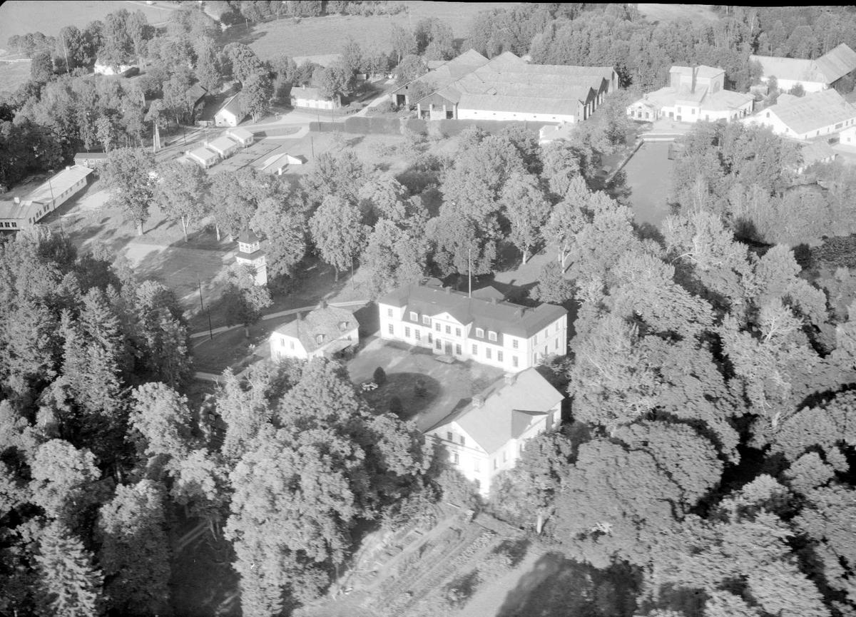 Flygfoto över Strömsbergs bruk, Tolfta socken, Uppland 1958
