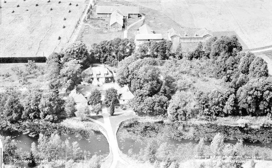 Flygfoto över Starfors säteri, Västerlövsta socken, Uppland 1950