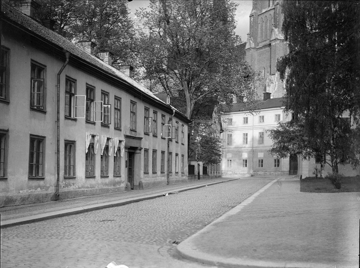 S:t Larsgatan med Alba Longa, kvarteret Disa, Uppsala 1932