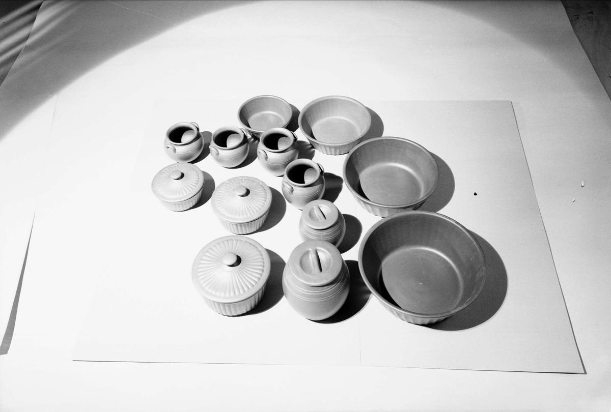 Keramik från Upsala-Ekeby AB, Uppsala 1940