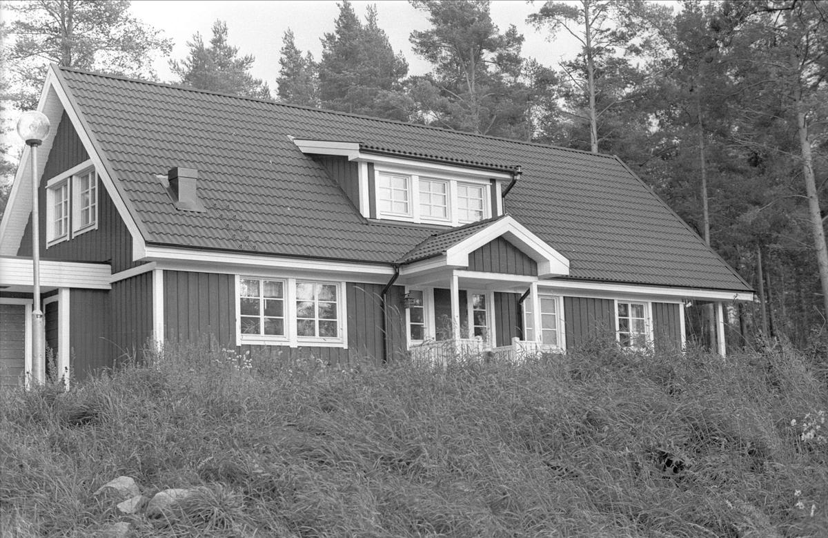 Villa med garage, Enstalund, Fullerö 17:18, Enstalund, Gamla Uppsala socken, Uppland 1978