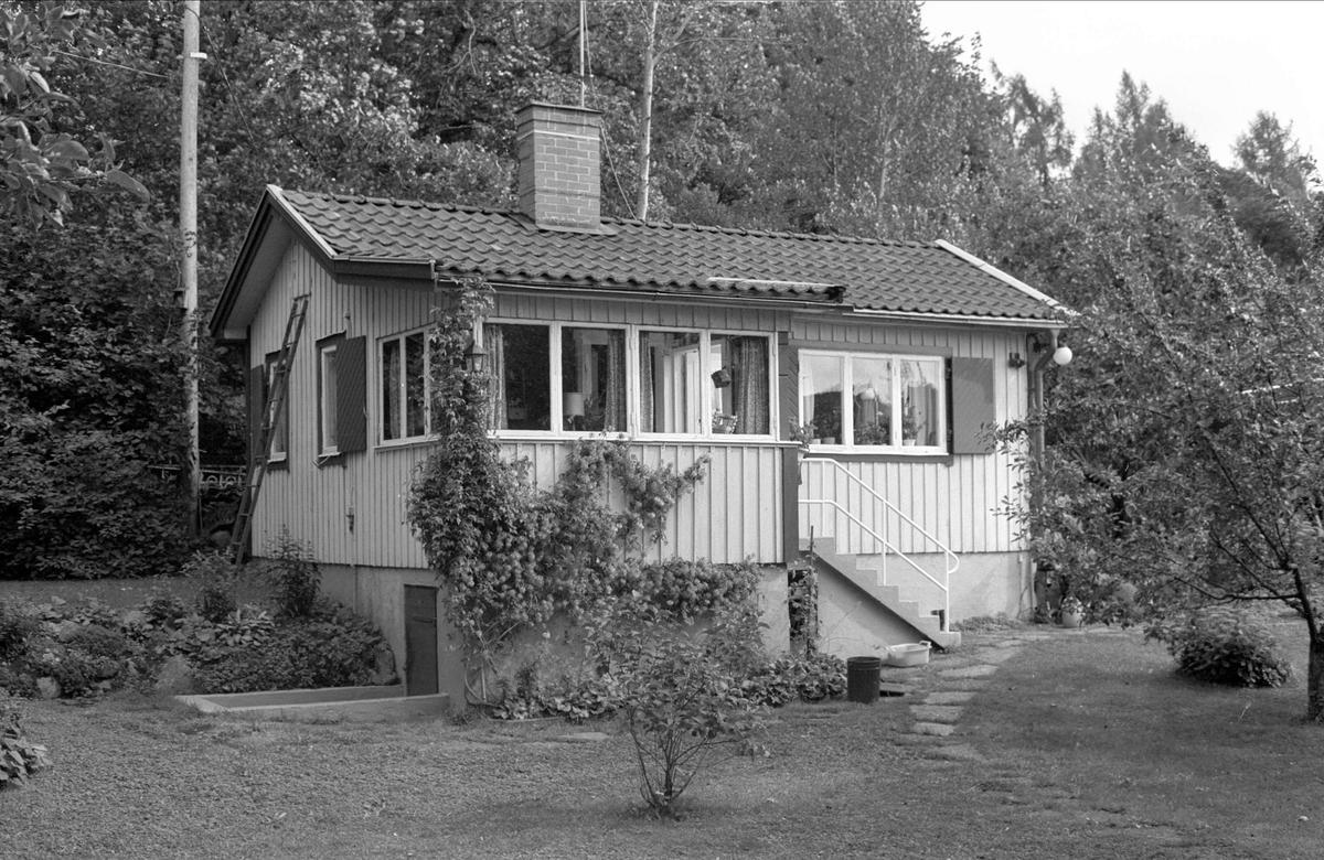 Bostadshus, Holmängen, Hallkved 16:13, Funbo, Funbo socken, Uppland 1982
