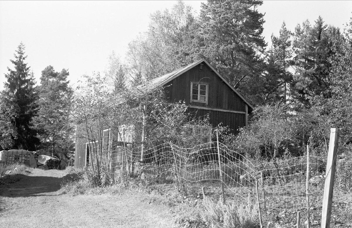 Uthus, Lövsta 2:70, Almunge socken, Uppland 1987