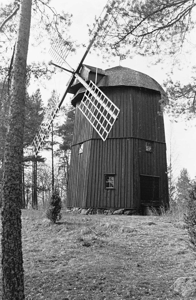 Hovgårdsbergs kvarn, Vendels socken, Uppland 2000
