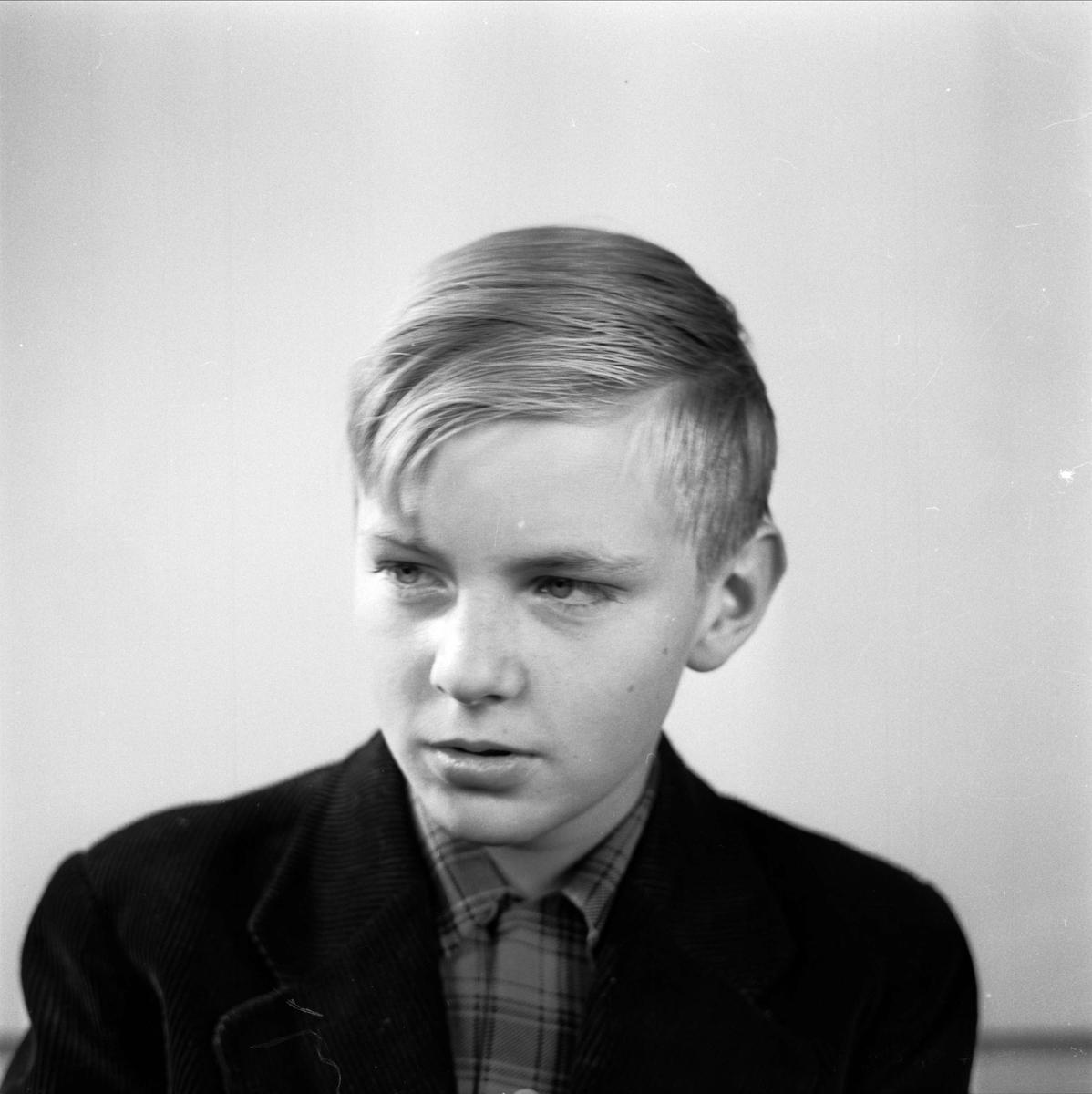 Ärkebiskop Yngve Brilioth - porträtt av en sonson, Uppsala 1955