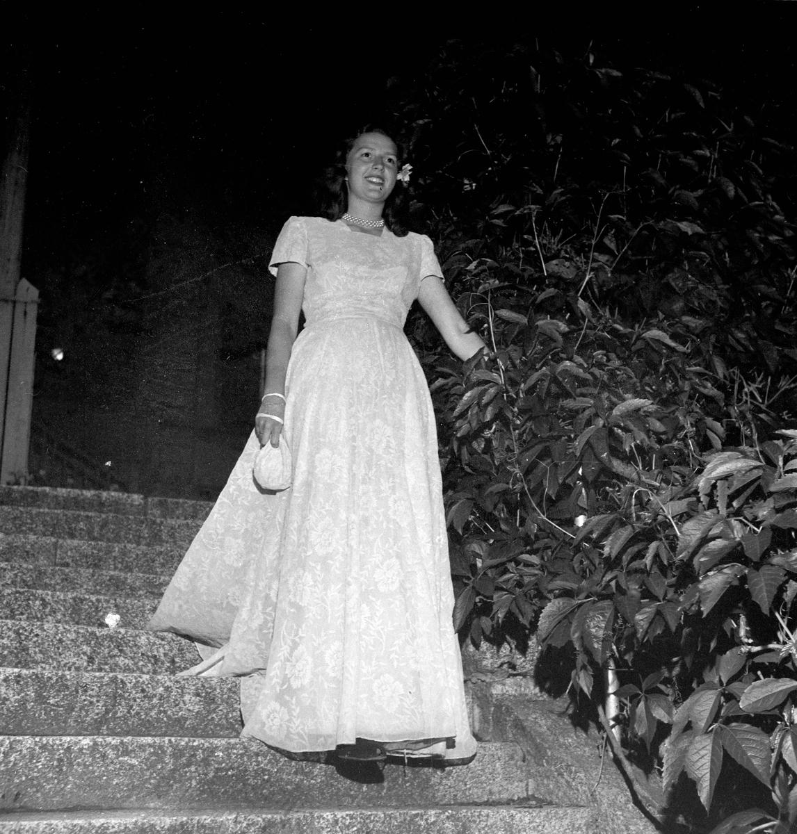 Lars-Olof Lindqvist gifter sig, Uppsala juni 1947