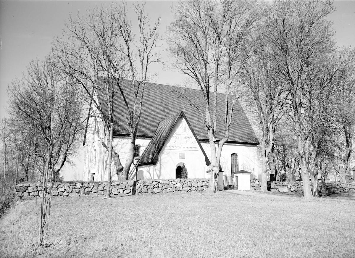 Rasbokils kyrka, Rasbokils socken, Uppland april 1948
