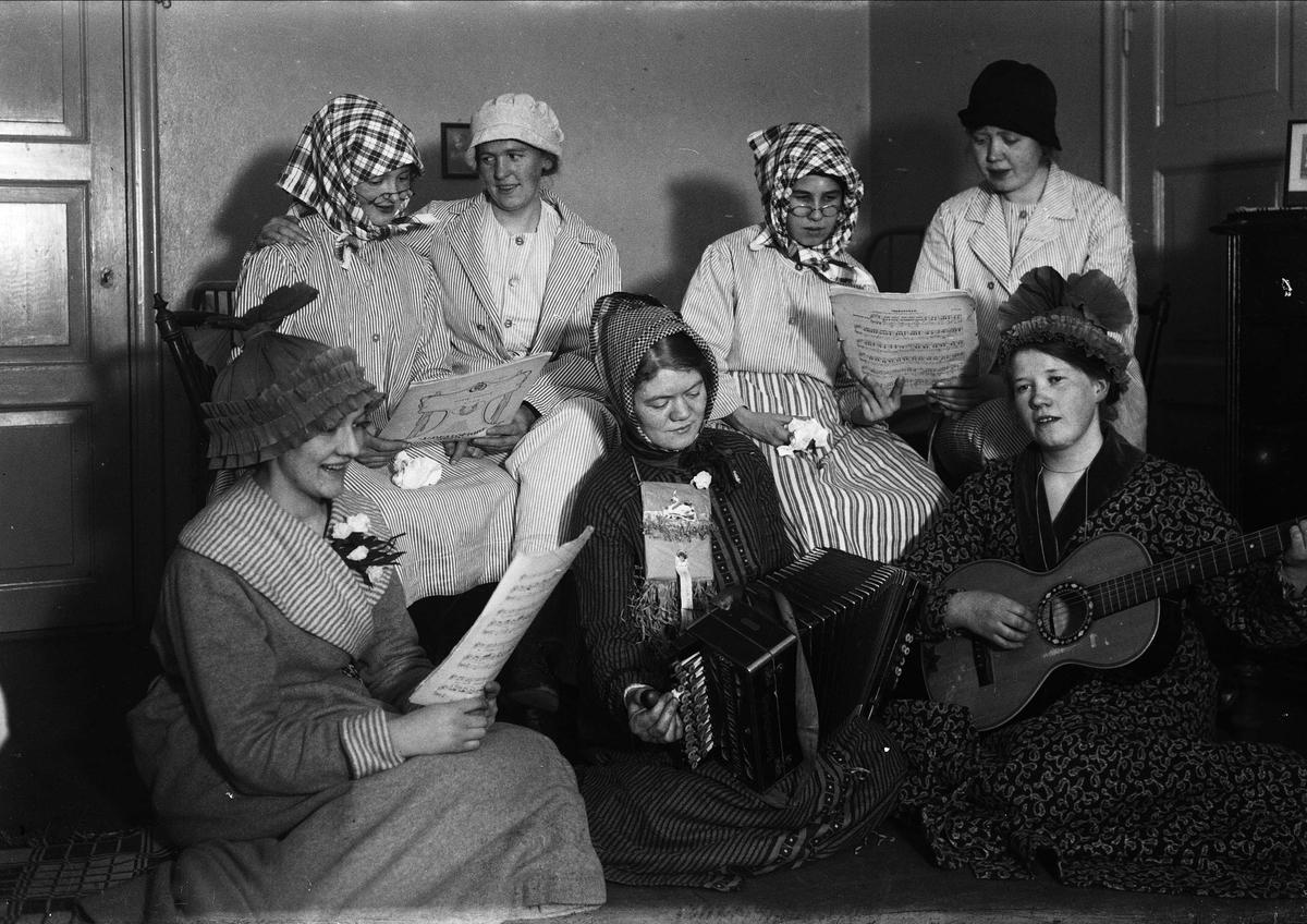Musik- och teatergrupp, Uppsala, eventuellt 1929