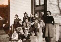 Fødselselskap hos Anne Konsmo 1953.