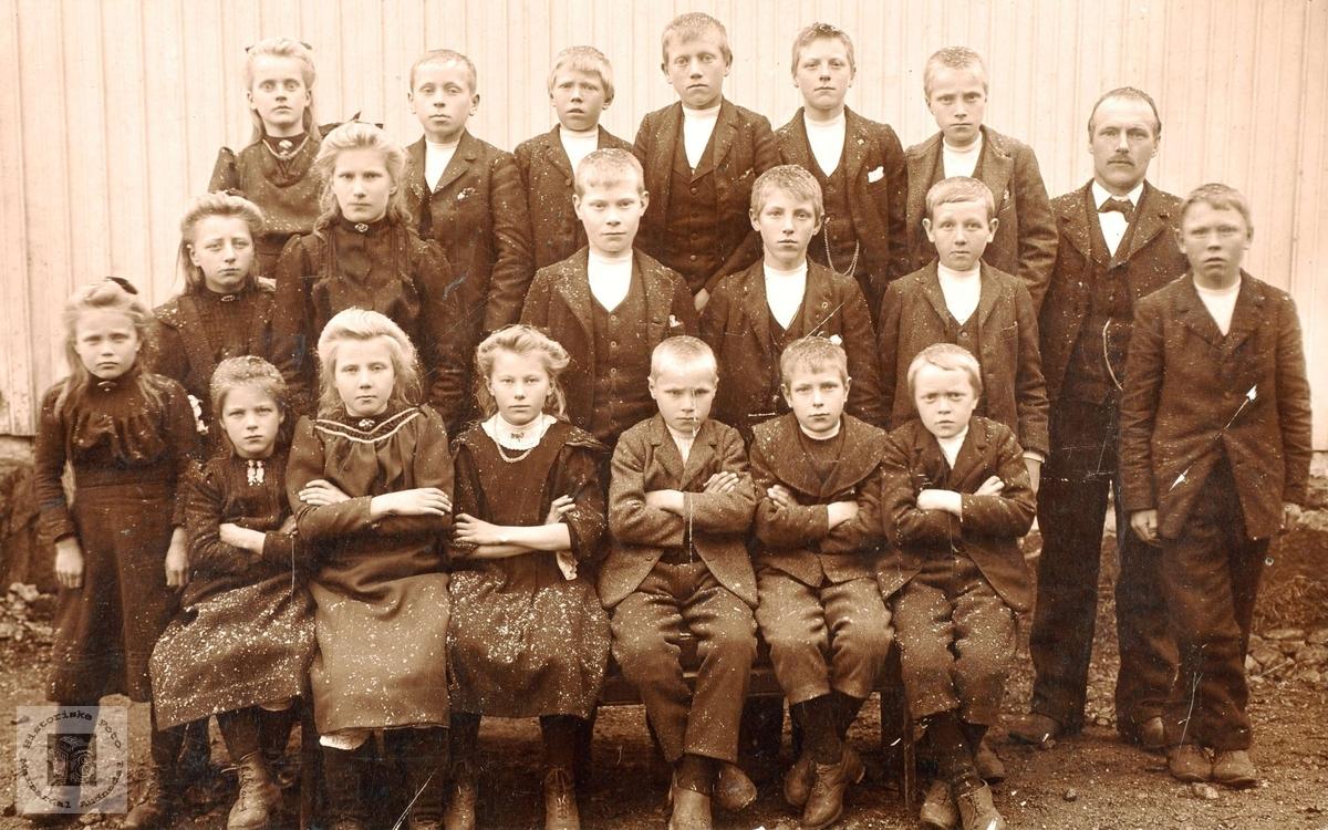 Skolebilde Høyland og Øydna samla skule.