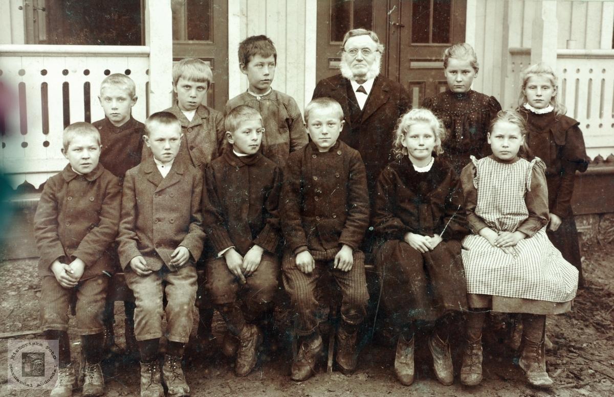 Skolebilde muligens fra Grindheimsområdet Audnedal.