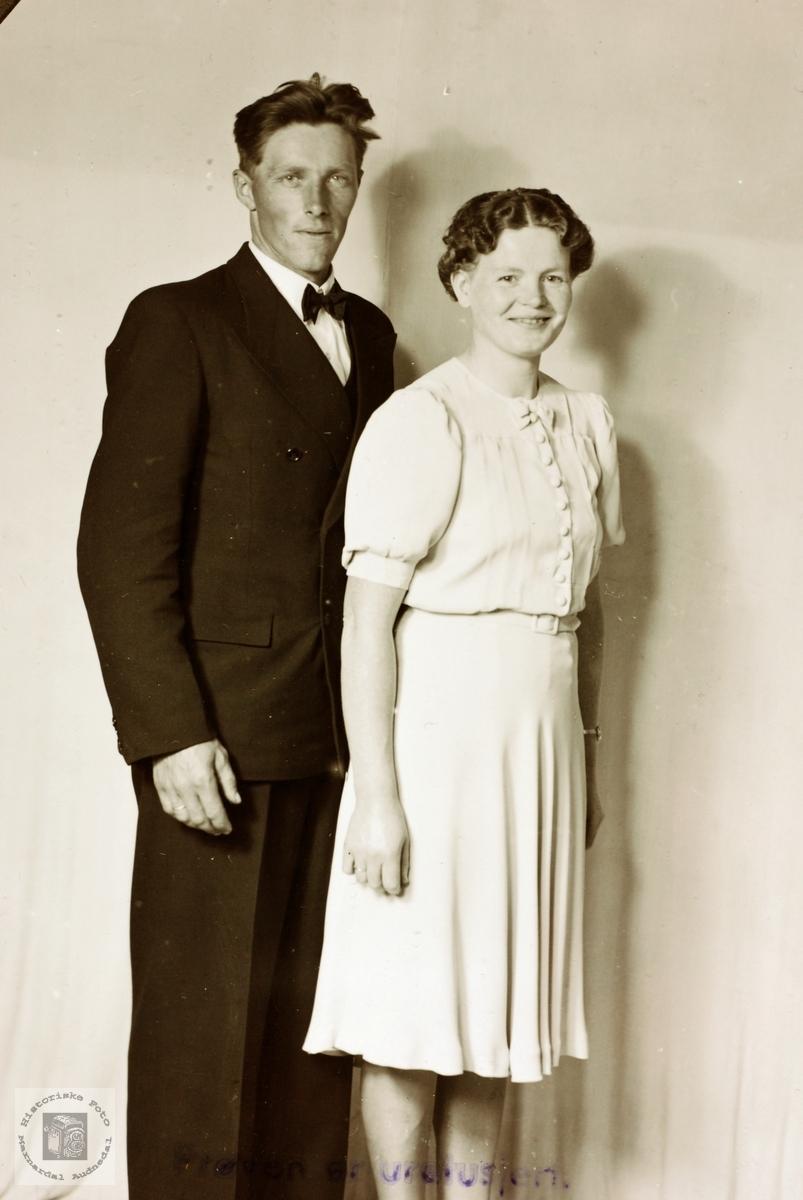 Portrett av ekteparet Reier og Sigrid Sveindal. Grindheim Audnedal.