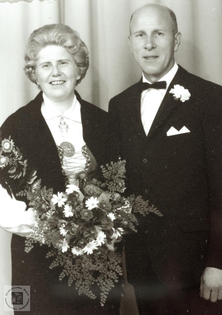 Brudebilde av Solveig og John Øydna. Audnedal.