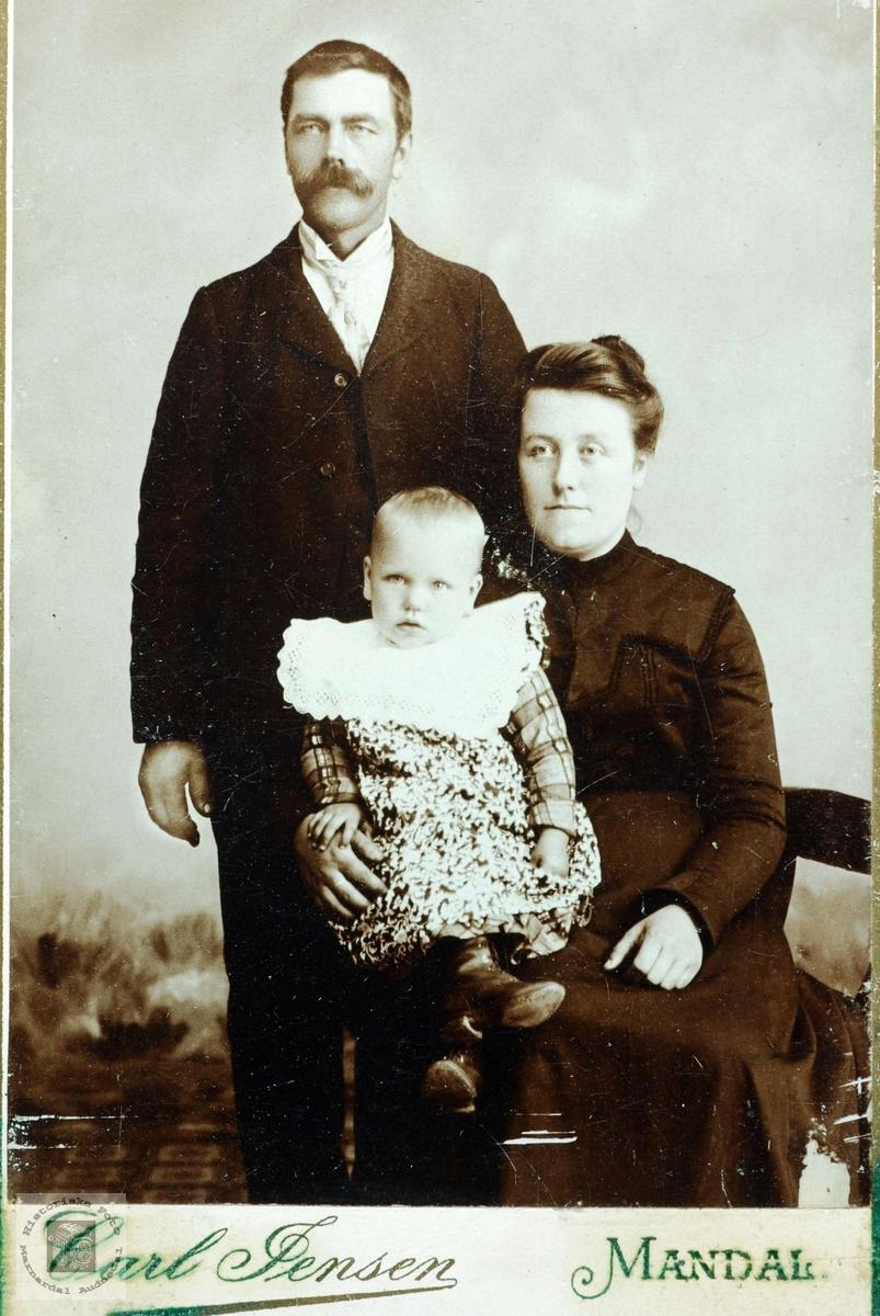 Portrett av familien Håland. Grindheim Audnedal.