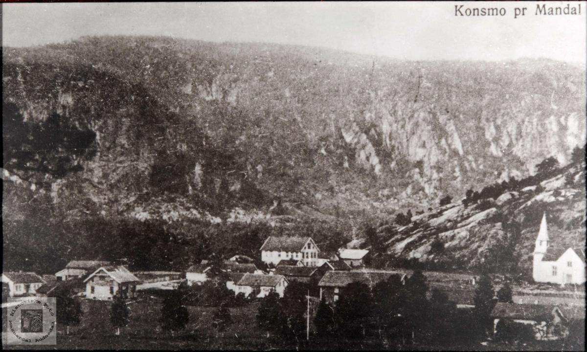 Konsmo pr Mandal. Oversiktsbilde av Konsmo tatt fra sør-aust siden. Audnedal.