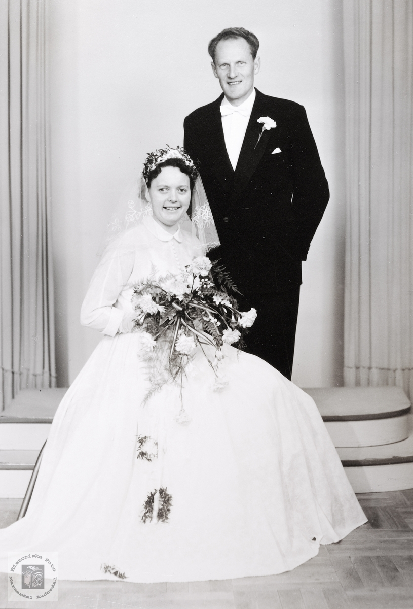Brudebilde av Klara og Hohn Eftevand. Grindheim Kristiansand.
