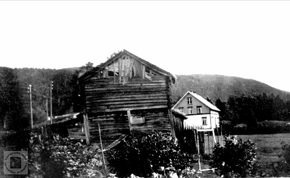 Gamalt uthus på Stedjan i Bjelland.