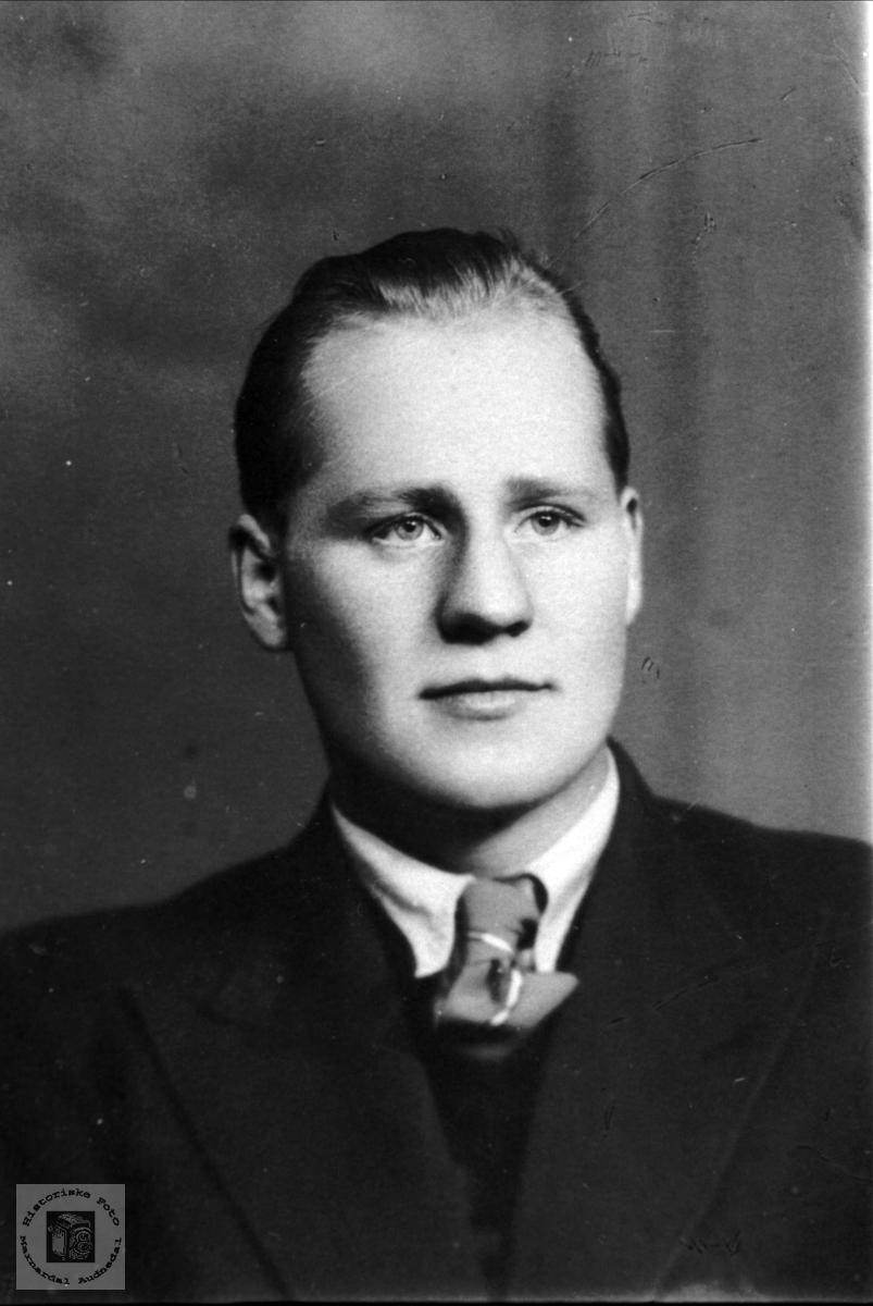 Portrett av Håkon Skuland, Laudal.