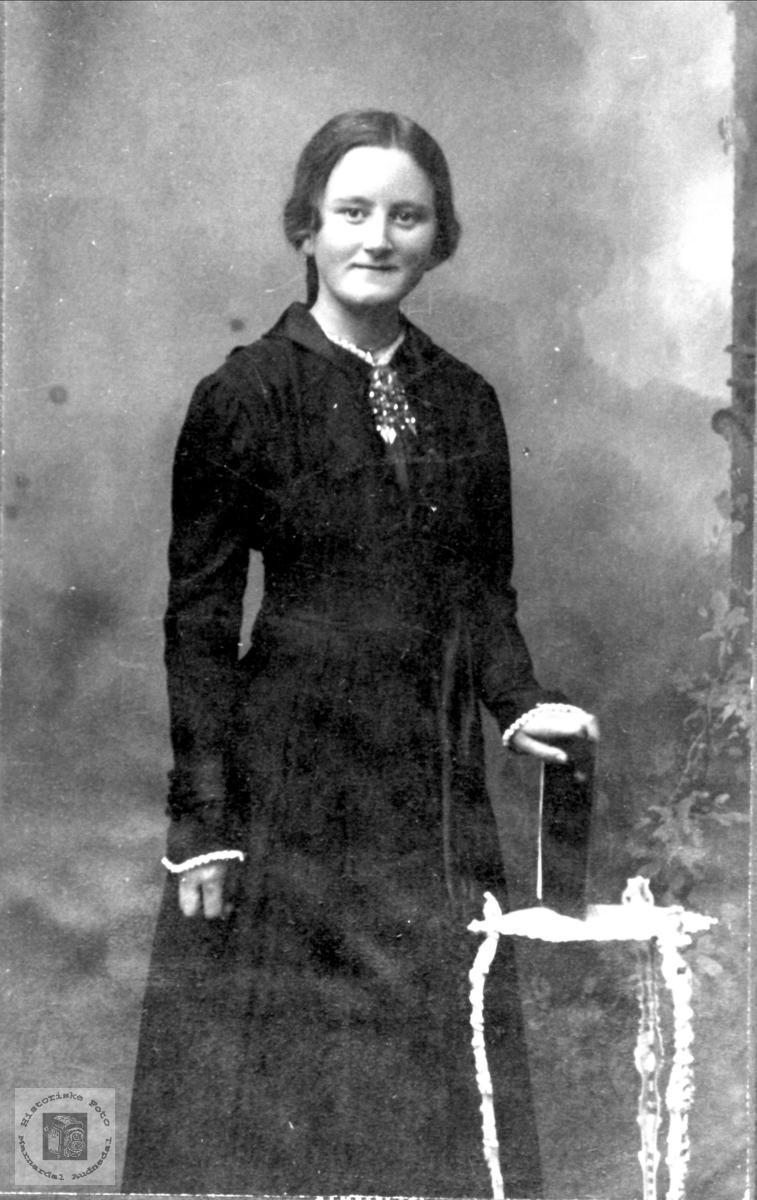 Portrett av Berta Øyslebø.
