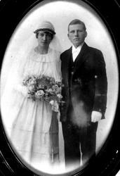 Brudeparet Skoddan, Øyslebø. Dette fotoer er av Agusta Karl