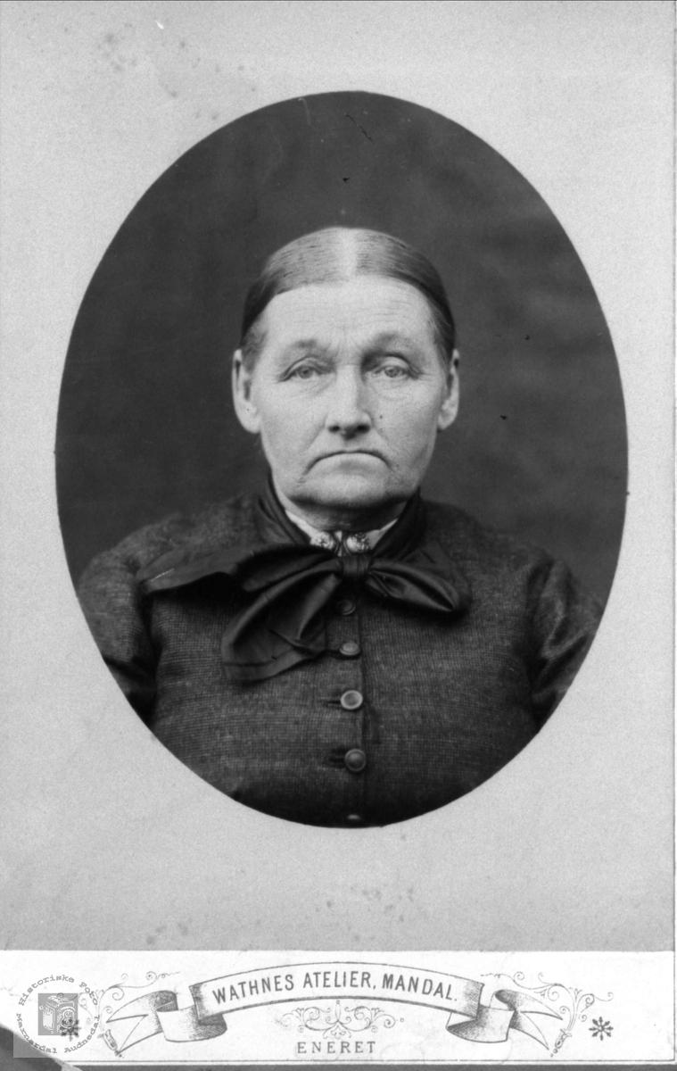 Portrett av Anna Heddeland, Øyslebø.