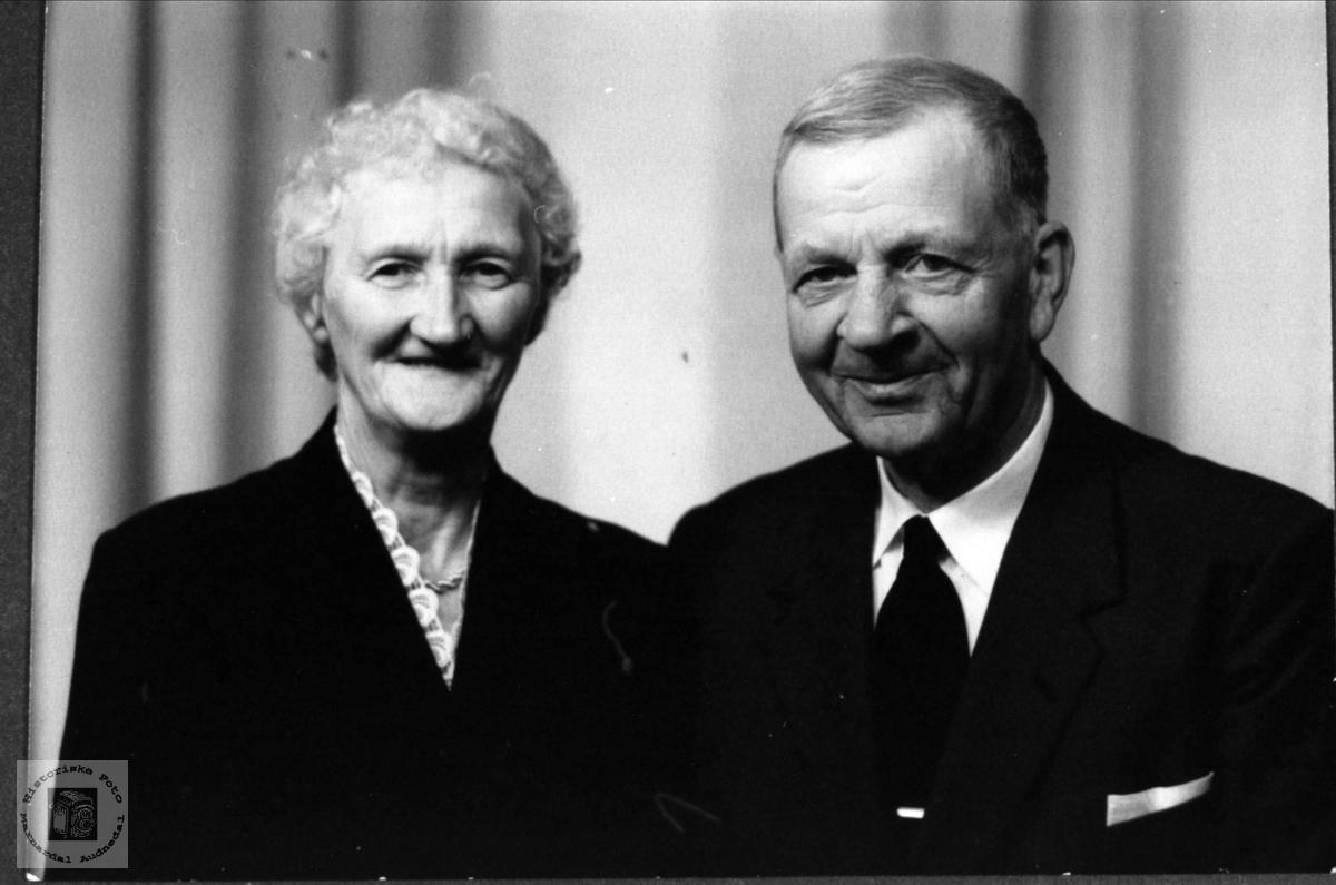 Ekteparet Berte og Anve Øyslebø.