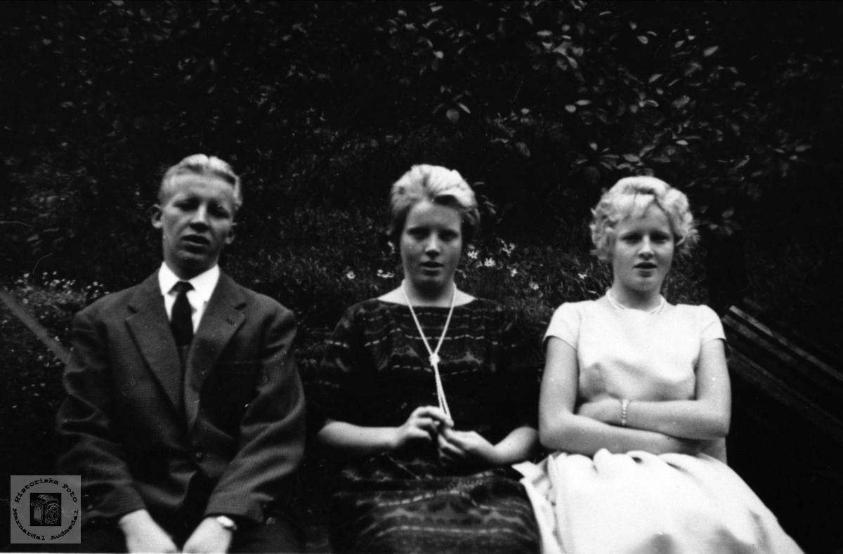 Oddvar, Bjørg og Gerd Kolstad.