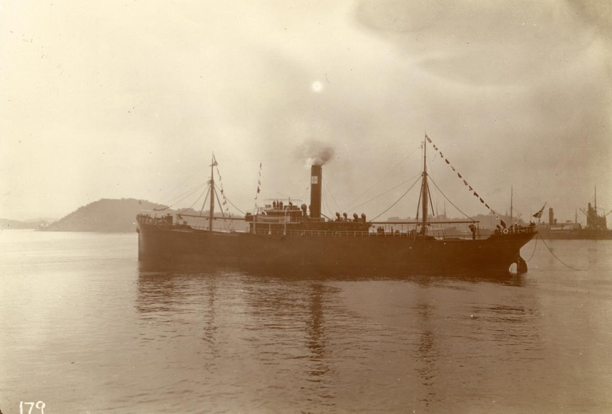 D/S 'Biscaya' (b.1907, Nylands Værksted, Kristiania), - ved Nylands verksted.