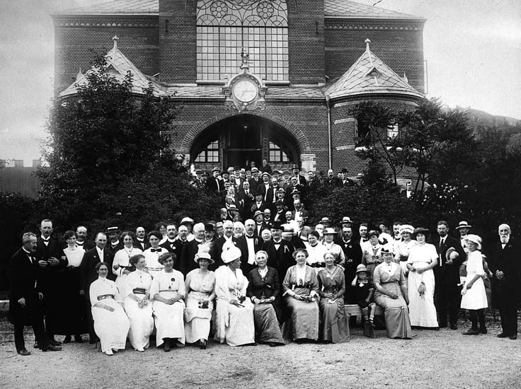 Jubileumslantbruksmötet i Uddevalla år 1914. Framför flickskolan vid Margretegärde, Uddevalla.