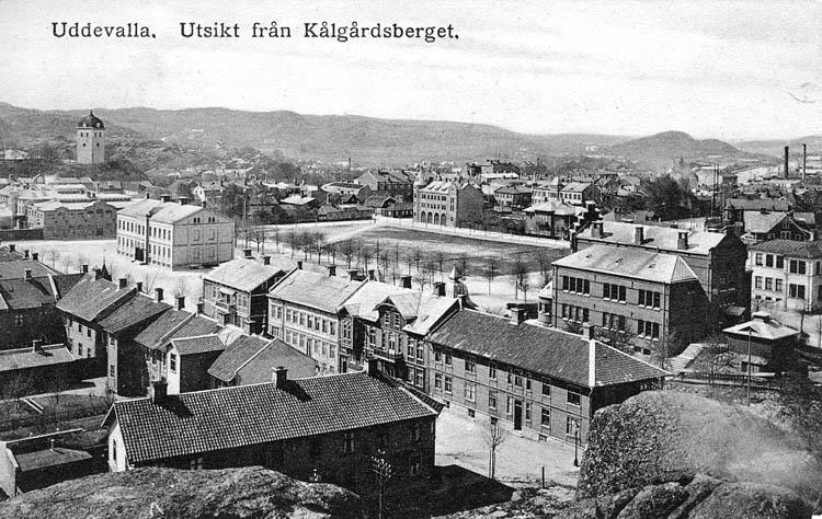 Uddevalla. Utsikt från Kålgårdsberget. ::