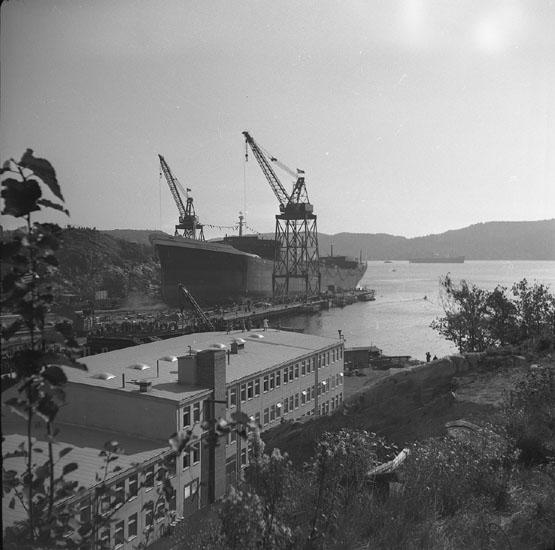 Dop och sjösättning av fartyg 203 T/T Burl S. Watson.