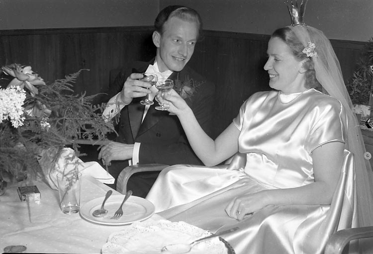 """Enligt notering: """"Nyårsfirandet Dec 1949""""."""