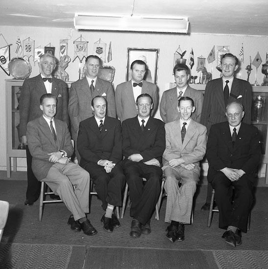 """Enligt notering: """"I.F.K. Huvudstyrelsen 1955""""."""