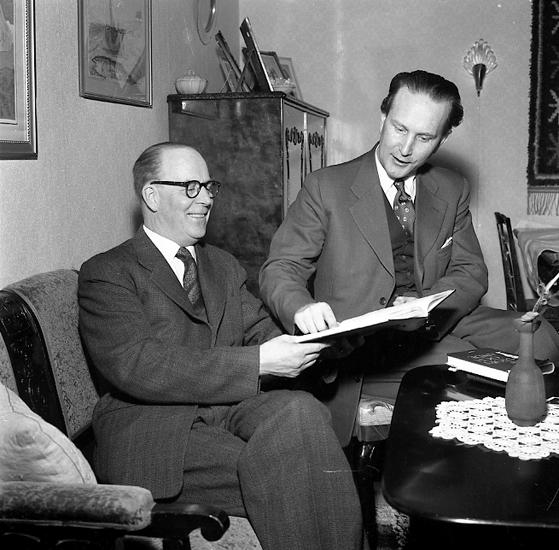 """Enligt notering: """"Missionär 11/3 1957""""."""