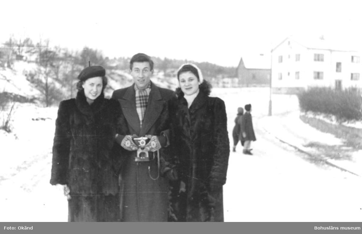 """Text till bilden: """"Waltraud Kröger, Heinz Sieghold, Eva ?(fr v) ca 1952""""."""