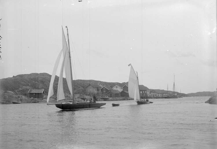"""Enligt text som meföljde bilden: """"Kyrkesund. """"Skagerrack"""" o. """"Zinita"""" 20/5 07."""""""