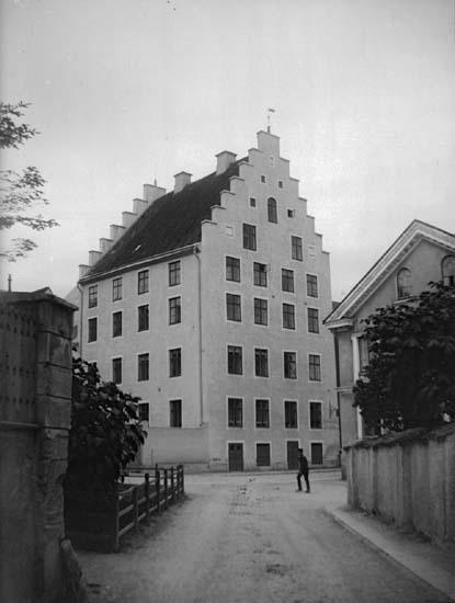 """Enligt text som medföljde bilden: """"Visby."""" ::"""