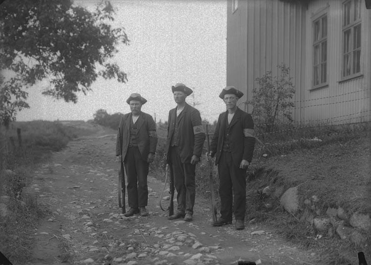 """Enligt fotografens anteckningar: """"Landstormsmän 1914""""."""