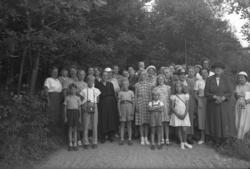 """Enligt fotografens noteringar: """"1953. Munkedals syförening f"""