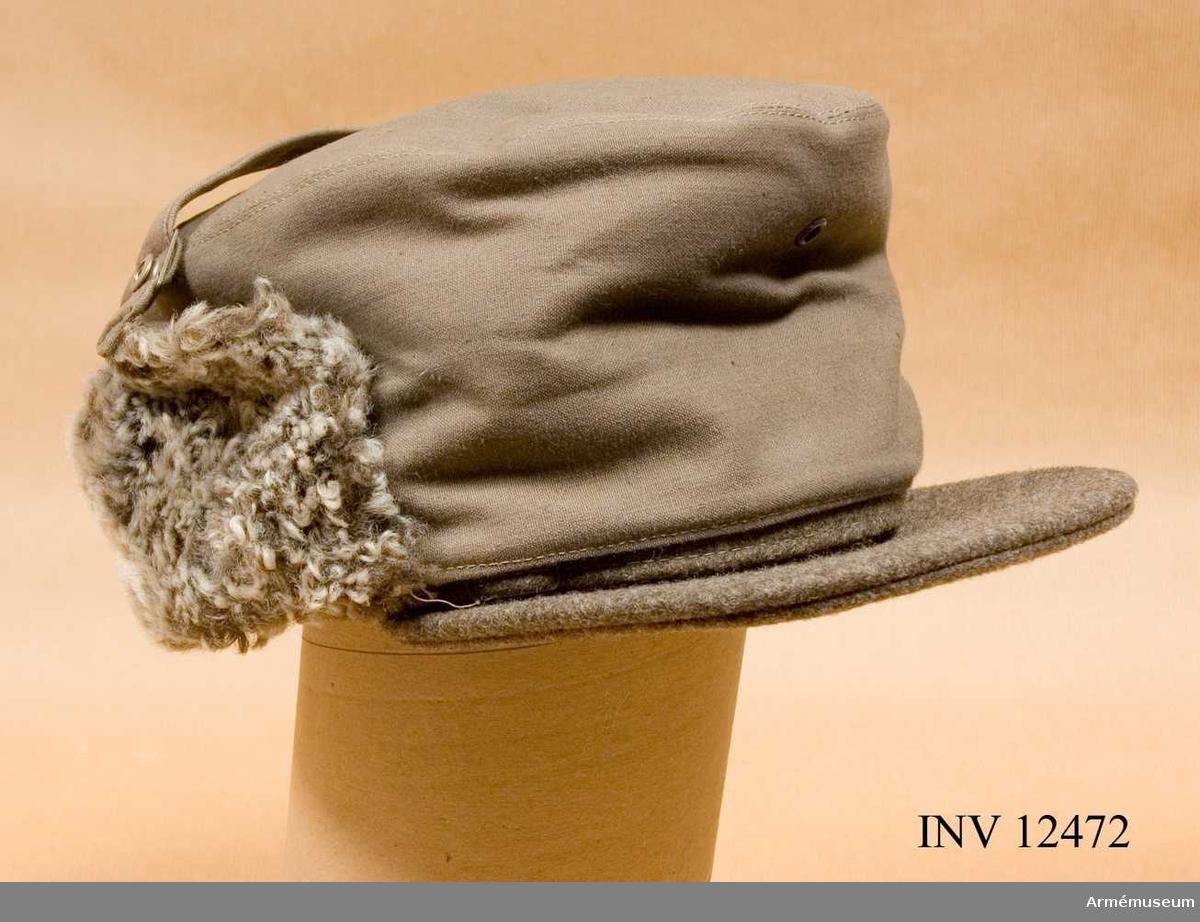 Grupp C I. Modell å överdragsmössa fm/1940 f vinterbruk. Fastställd gm intendenturdepartementets beslut den 24 okt 1940, dnr 7768 utr.