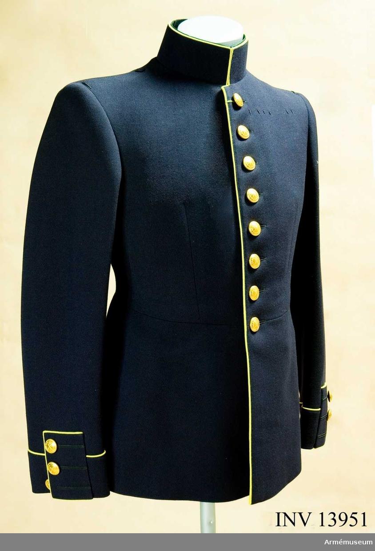 Vapenrock för överstelöjtnant vid generalstaben, tillika militärassistent vid järnvägsstyrelsen.