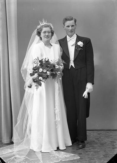 """Enligt fotografens journal nr 8 1951-1957: """"Börjesson, Herr Rune Sandbäcken Mölndal""""."""