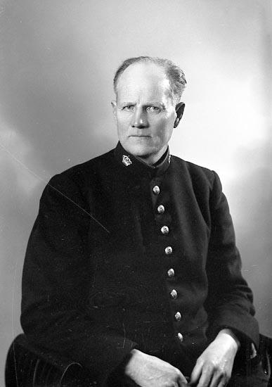 """Enligt fotografens journal nr 6 1930-1943: """"Andersson, Albin Gåre Spekeröd""""."""