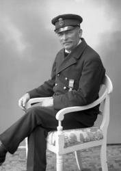 "Enligt fotografens journal nr 6 1930-1943: ""Johannesson, Tul"