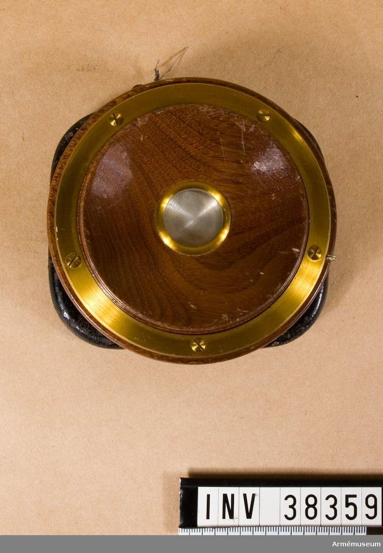 Grupp H I.   1898 års modell med magnethandtag.  Signalpipa saknas.