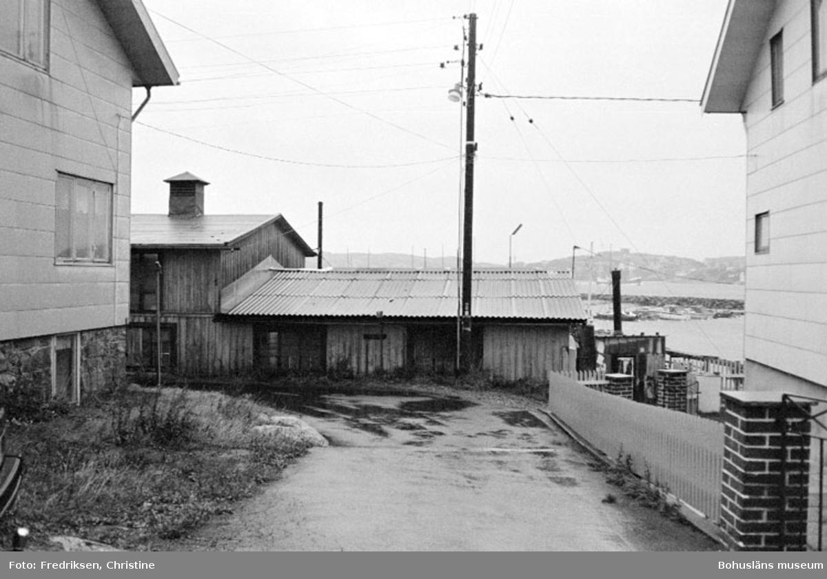 """Motivbeskrivning: """"Björkö, Björkö varv, numera nedlagt."""" Datum: 19800917"""