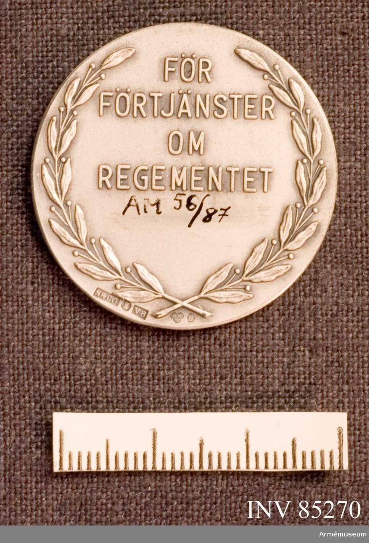 """Grupp M II.   """"För förtjänster om regementet"""""""
