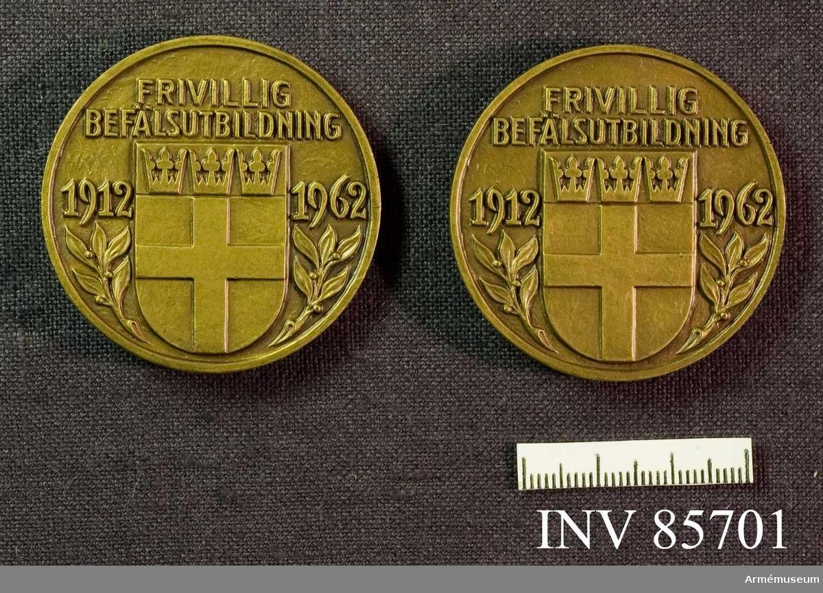 """Grupp M II.  """"Frivillig befälsutbildning 1912-1962"""" tecknad av Heribert Seitz, 2 stycken"""