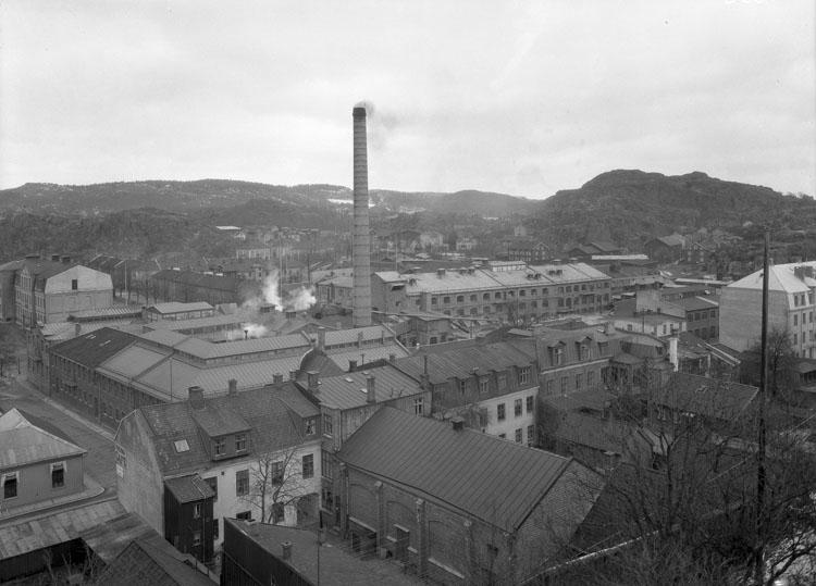 """Uppgift enligt fotografen: """"Uddevalla. Tändsticksfabriken från Klocktornet."""""""